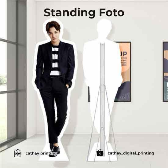 Standing Foto